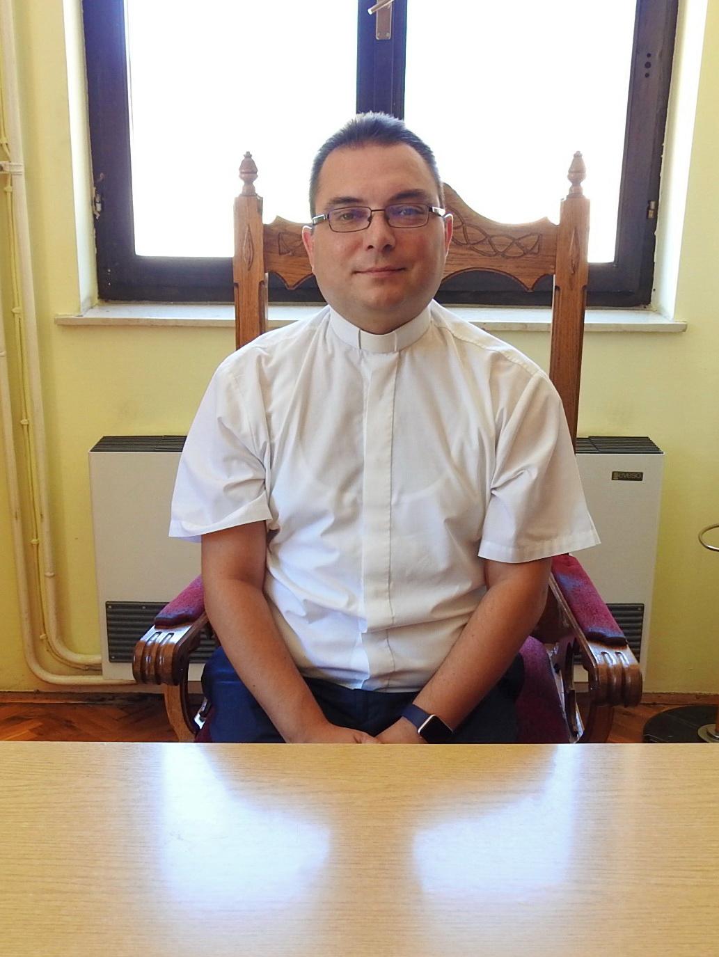župnik Nikola Legac