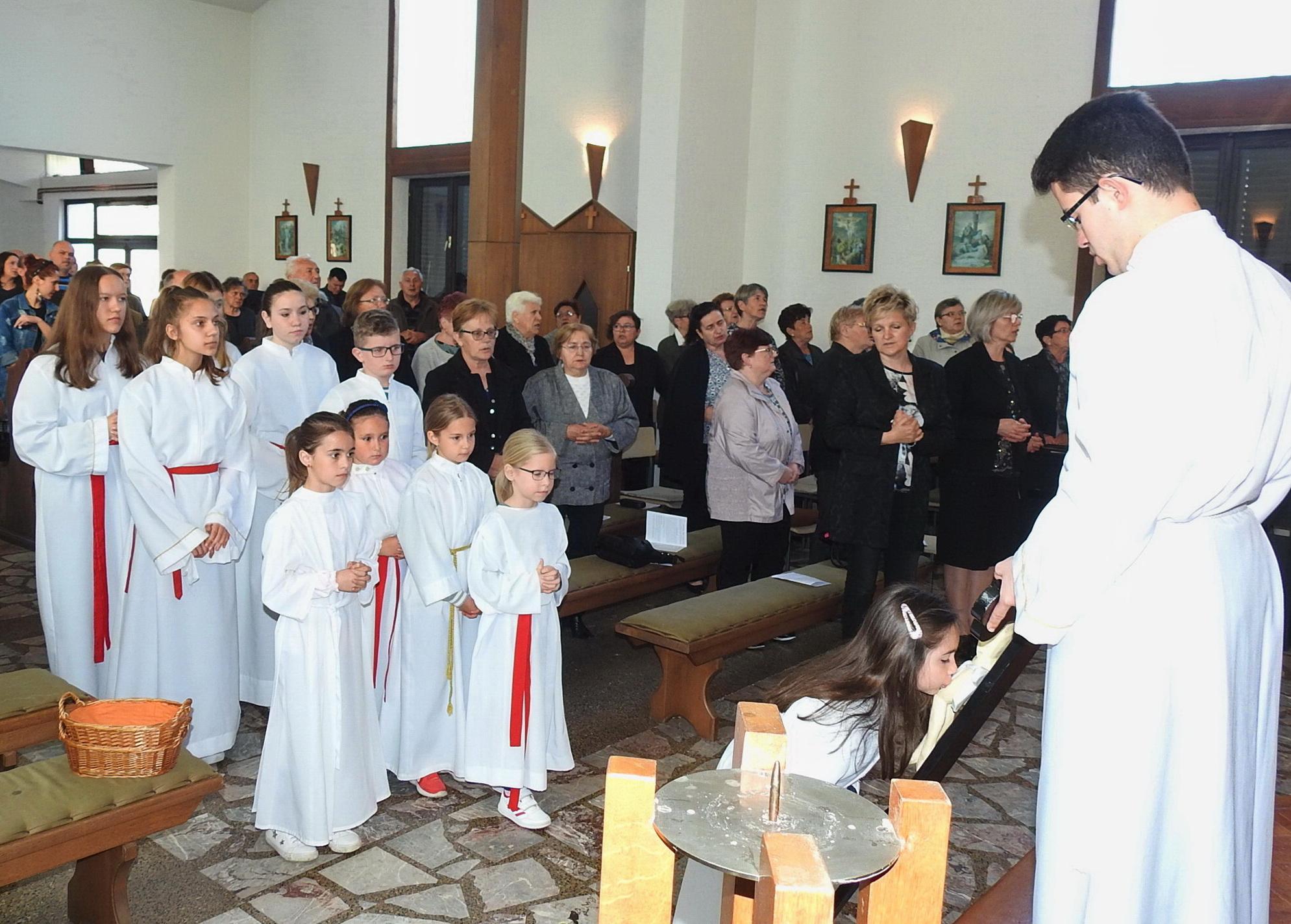 Ministranti u Markovcu Našičkom - Veliki petak 2019 - 19.4.2019.